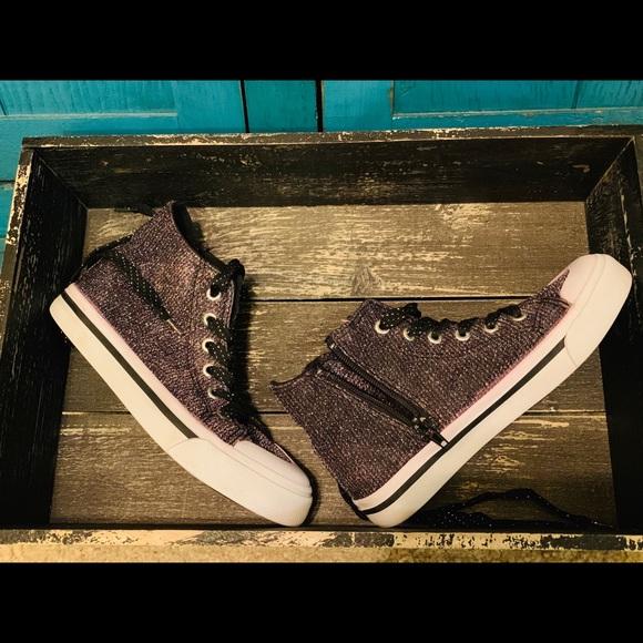 5c146c30a5dd Sears Shoes   Roebuck Co Girls Youth Size 2   Poshmark